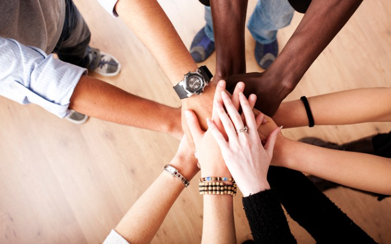 Colaborara en la Concienciación Social de las SCAs-R+SCAS
